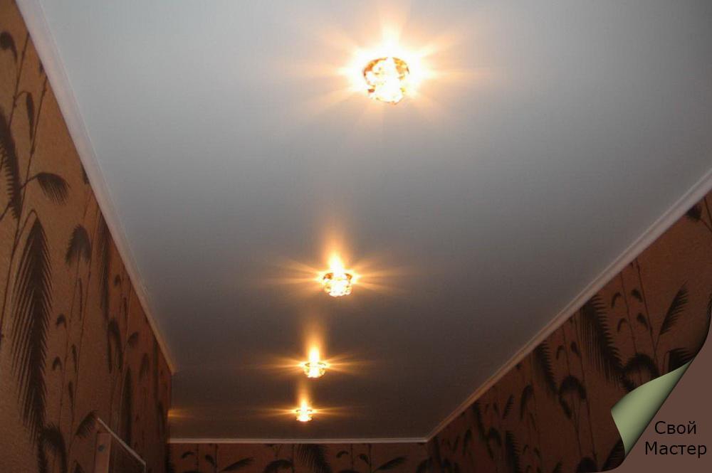 Точечные светильники в прихожей фото