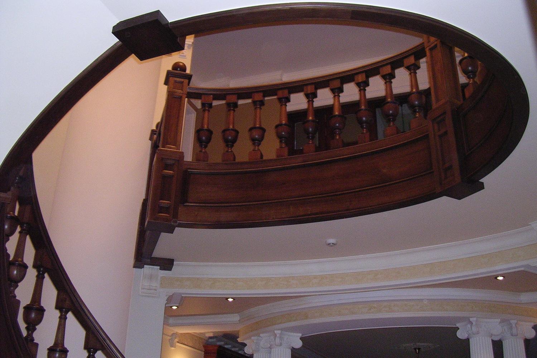 изготовление любых лестниц и декоров - Свой Мастер