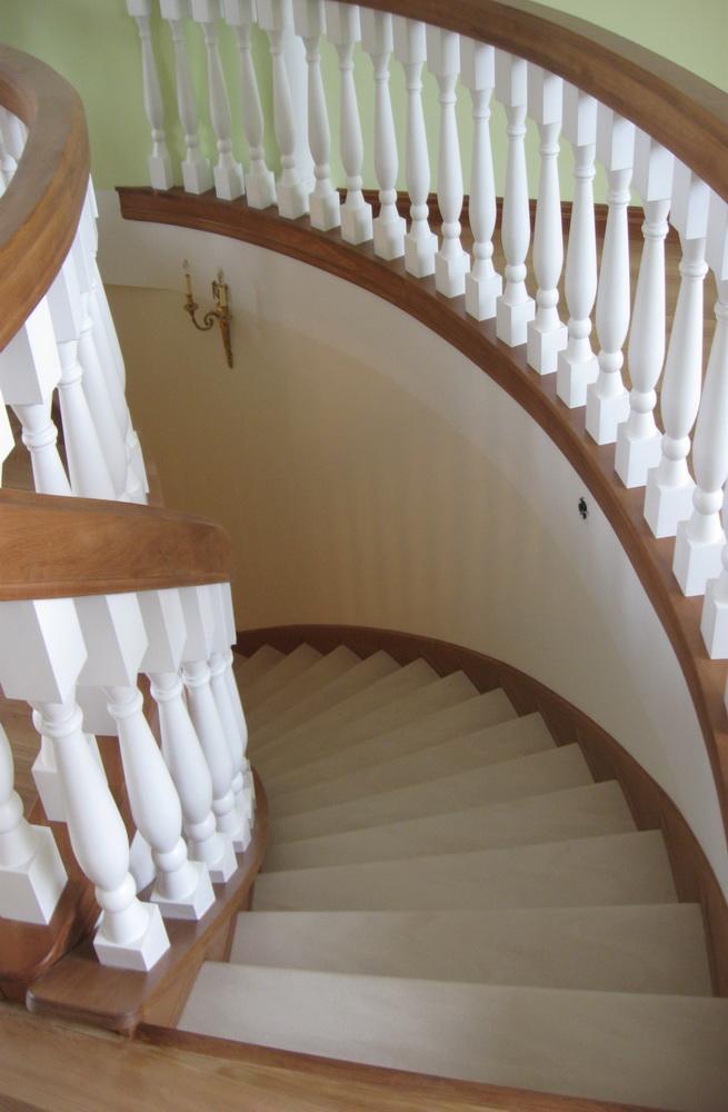 лестницы на заказ любой формы - Свой Мастер