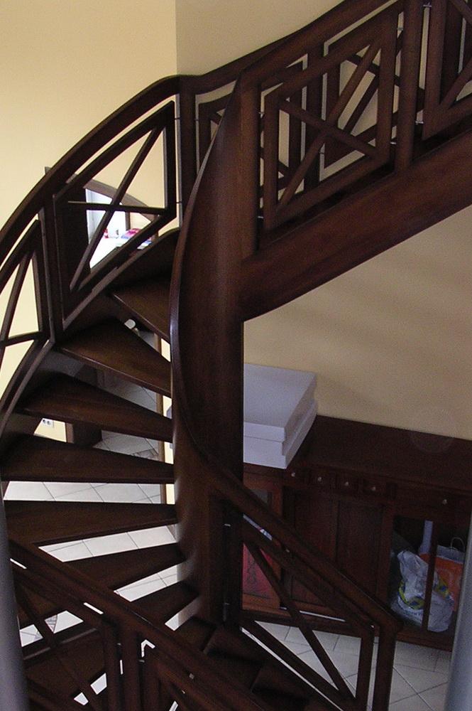 лестницы из массива, изготовлене и монтаж - Свой Мастер