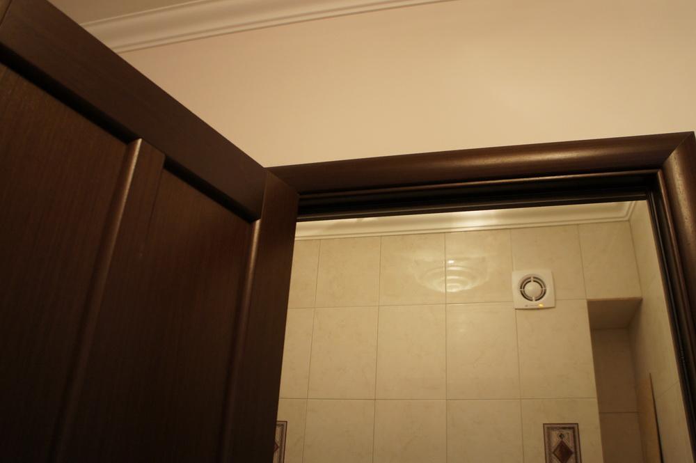 дверь в санузел, плиточные работы, вентиляция - Свой Мастер