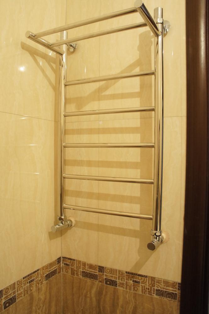 ванная комната, монтаж полотенцесушителя - Свой Мастер