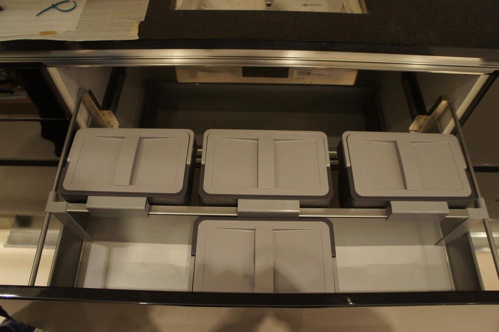установка контейнеров в стол для мойки - Свой Мастер